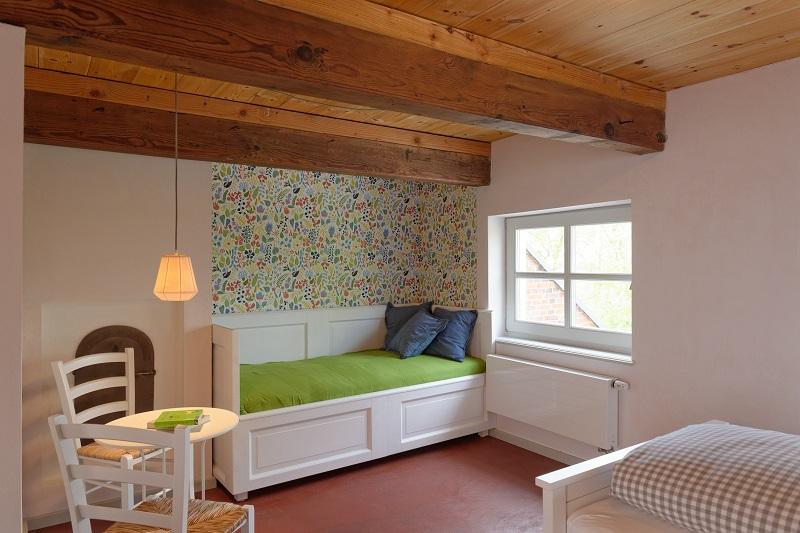 urlaub im denkmal wohnung s mmerk ken im gulfhof klein schulenburger polder. Black Bedroom Furniture Sets. Home Design Ideas